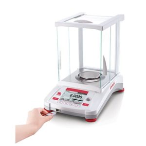 Adventurer Analytical Balance with USB